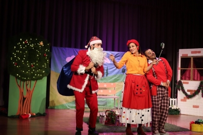 """Christmas with Family"" Play"